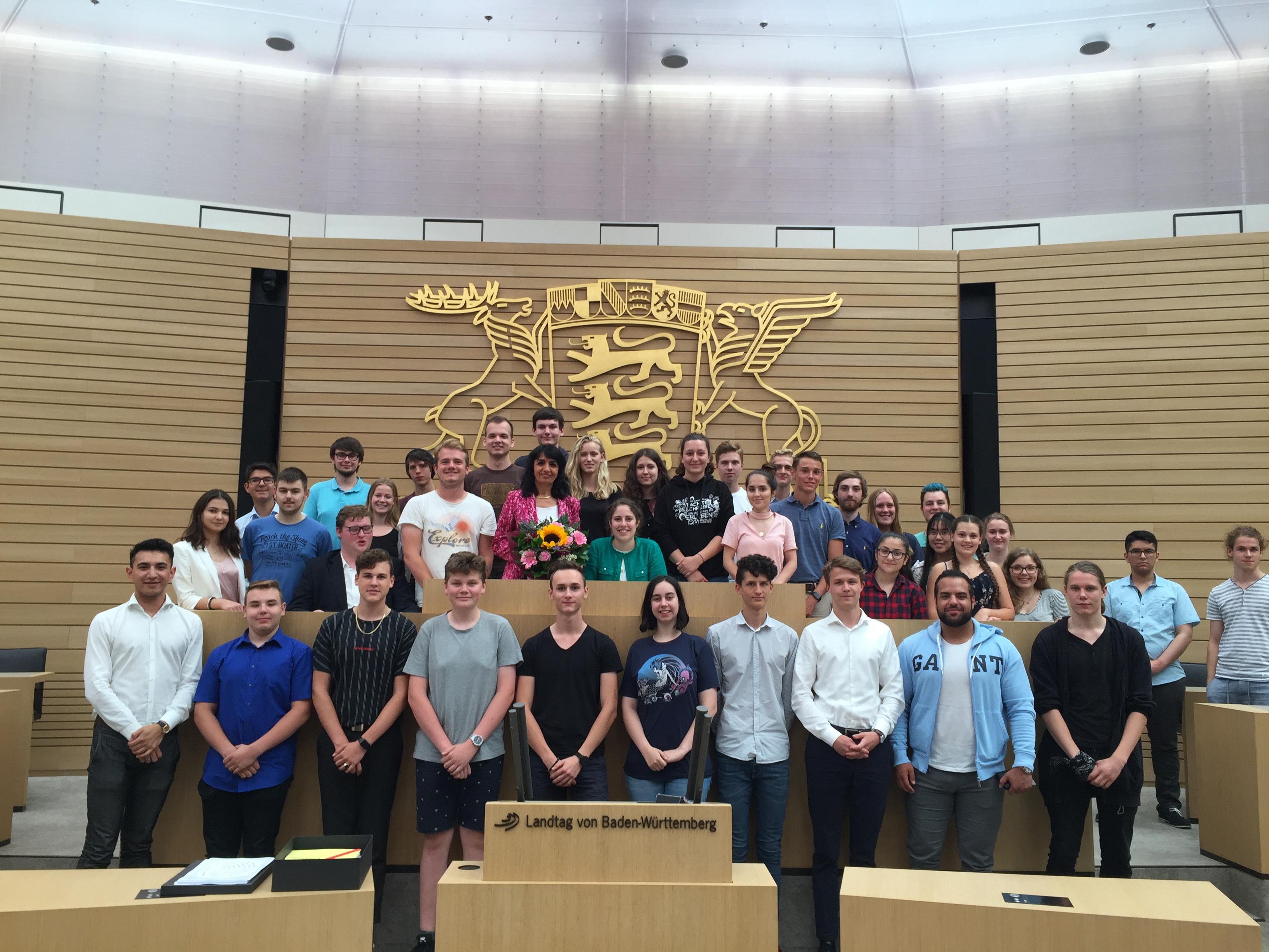 Der Landtag öffnet die Türen für die Jugendgemeinderäte aus Baden-Württemberg